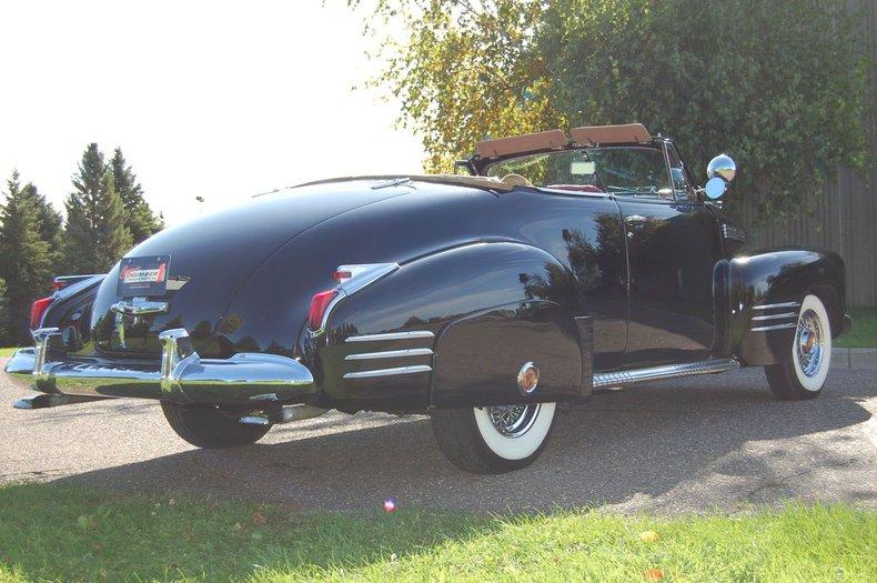 1941 Cadillac Series 62 Convertible 10