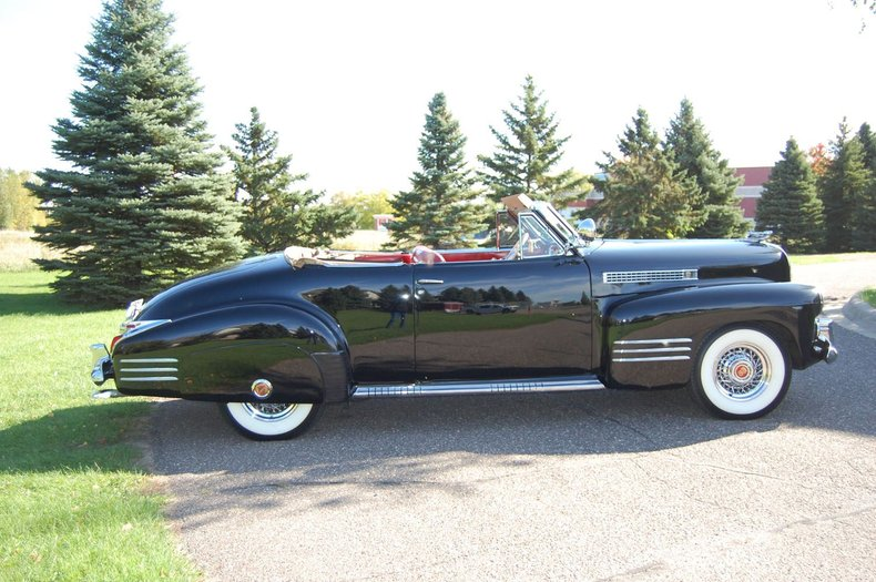 1941 Cadillac Series 62 Convertible 5