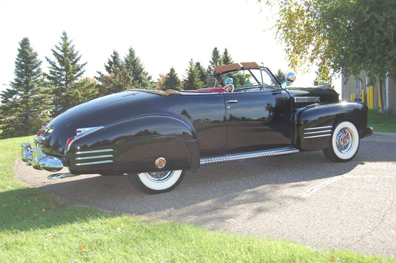1941 Cadillac Series 62 Convertible 17