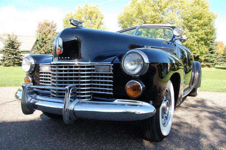 1941 Cadillac Series 62 Convertible 12