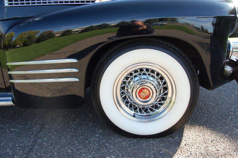 1941 Cadillac Series 62 Convertible 19