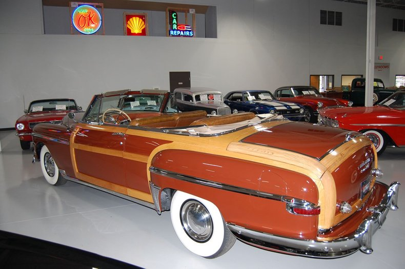 1949 Chrysler Town & Country Woody Convertible 8