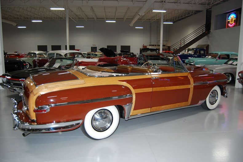 1949 Chrysler Town & Country Woody Convertible 9