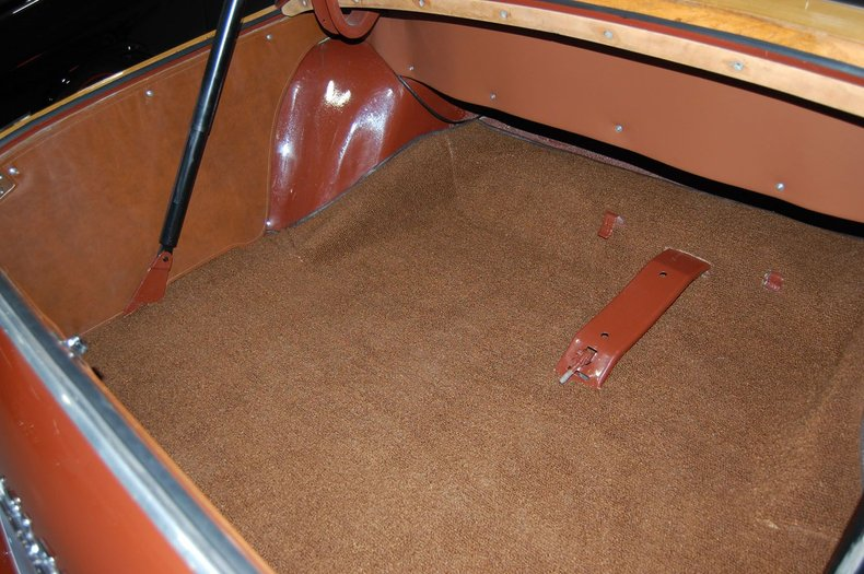 1949 Chrysler Town & Country Woody Convertible 29