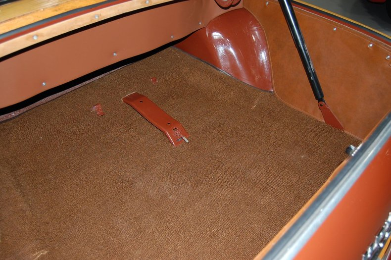 1949 Chrysler Town & Country Woody Convertible 28