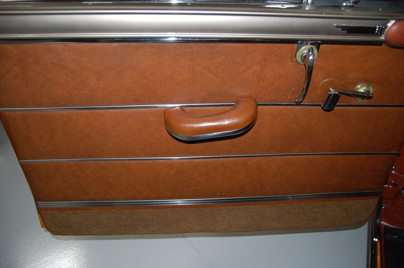 1949 Chrysler Town & Country Woody Convertible 30