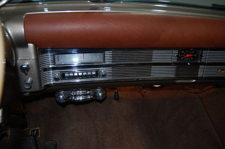 1949 Chrysler Town & Country Woody Convertible 34