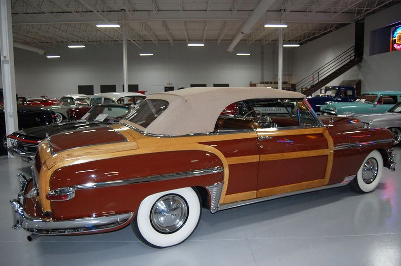 1949 Chrysler Town & Country Woody Convertible 18