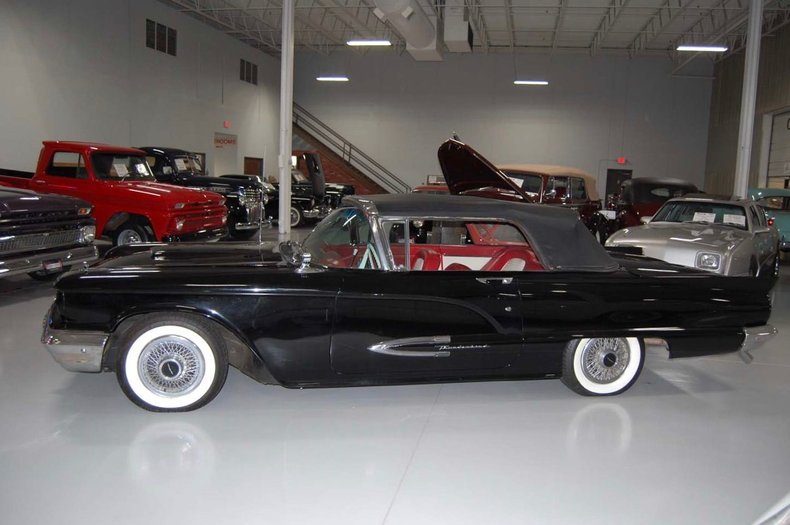 1959 Ford Thunderbird Convertible 10