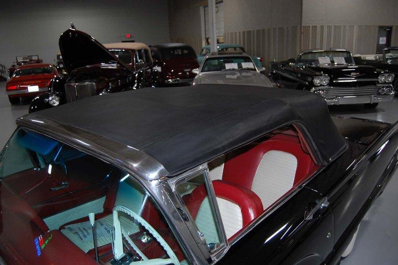 1959 Ford Thunderbird Convertible 17