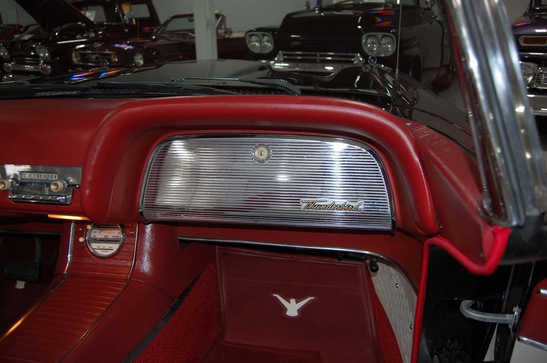 1959 Ford Thunderbird Convertible 34