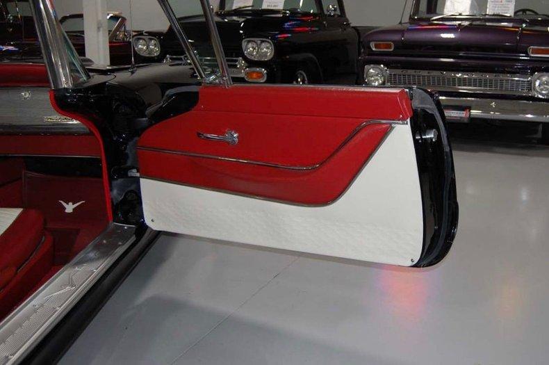 1959 Ford Thunderbird Convertible 27