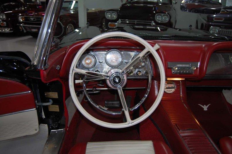 1959 Ford Thunderbird Convertible 35