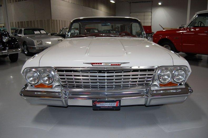 1962 Chevrolet Impala SS 3