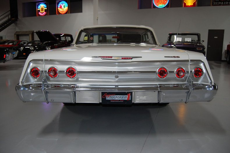 1962 Chevrolet Impala SS 11