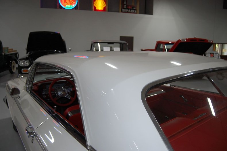 1962 Chevrolet Impala SS 13