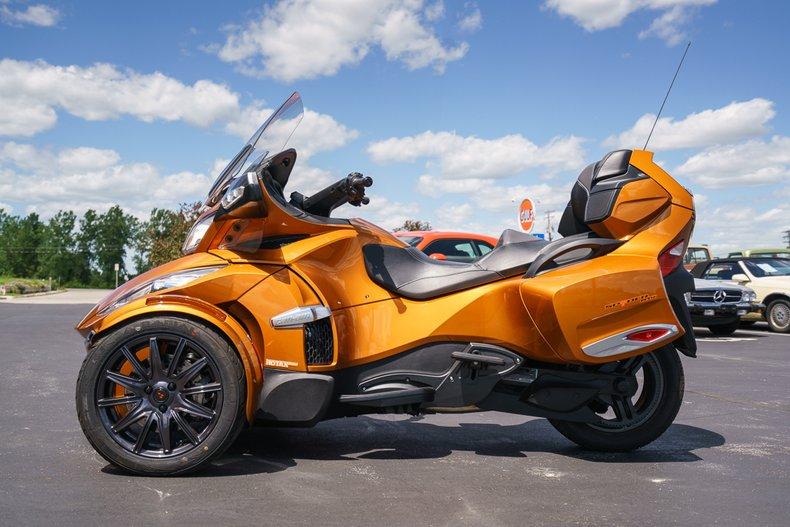 2014 Can-Am Spyder RT-S