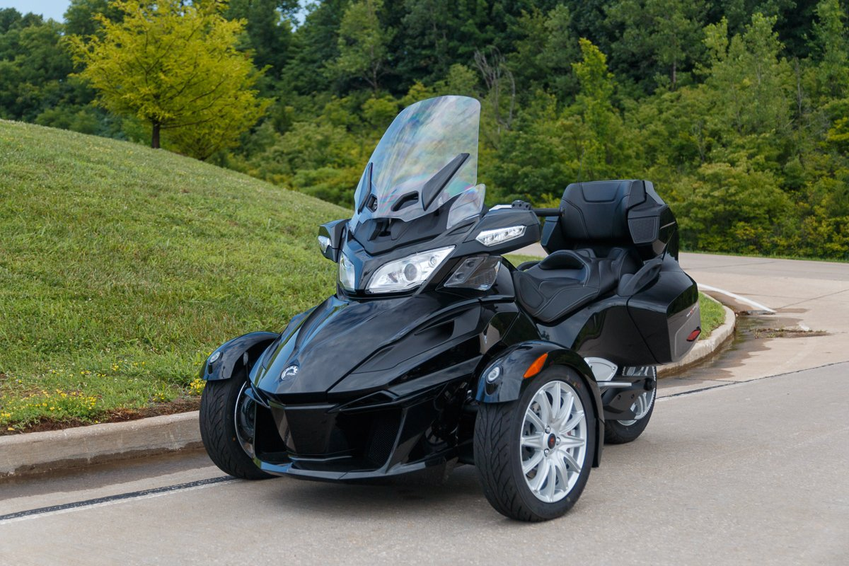 2016 can am spyder rt