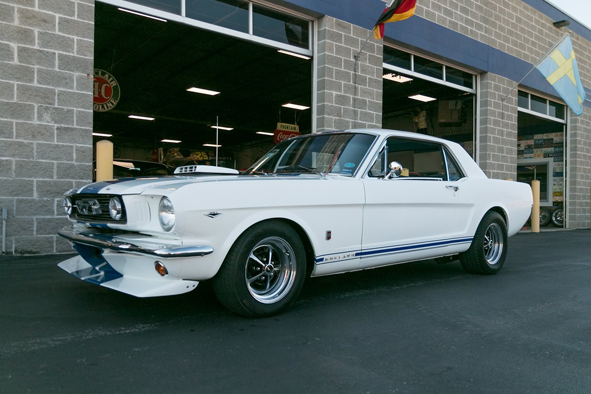 1966 ford mustang resto mod