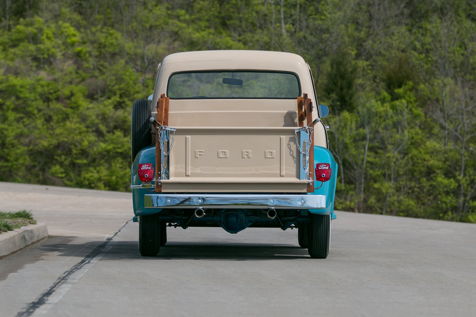... 1954 Ford F100 ...
