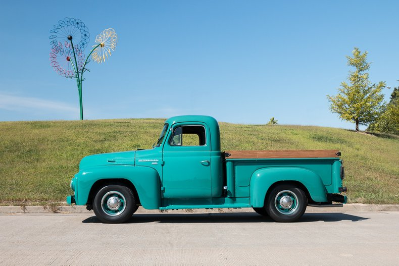 1955 International Harvester R100