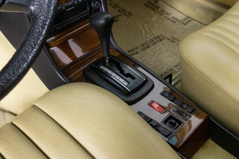 1984 Mercedes-Benz 300
