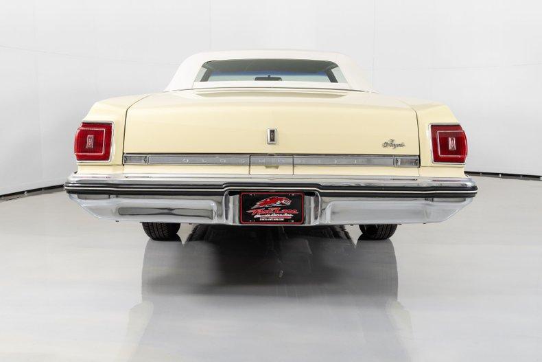 1975 Oldsmobile Delta 88 Royale
