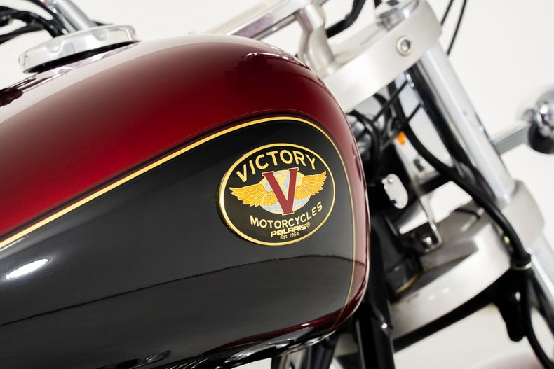 1999 Victory V92C