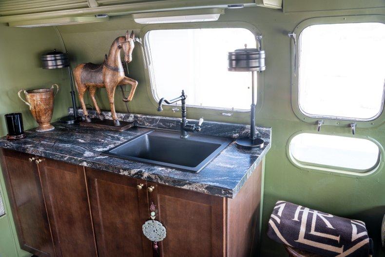 1975 Airstream Land Yacht