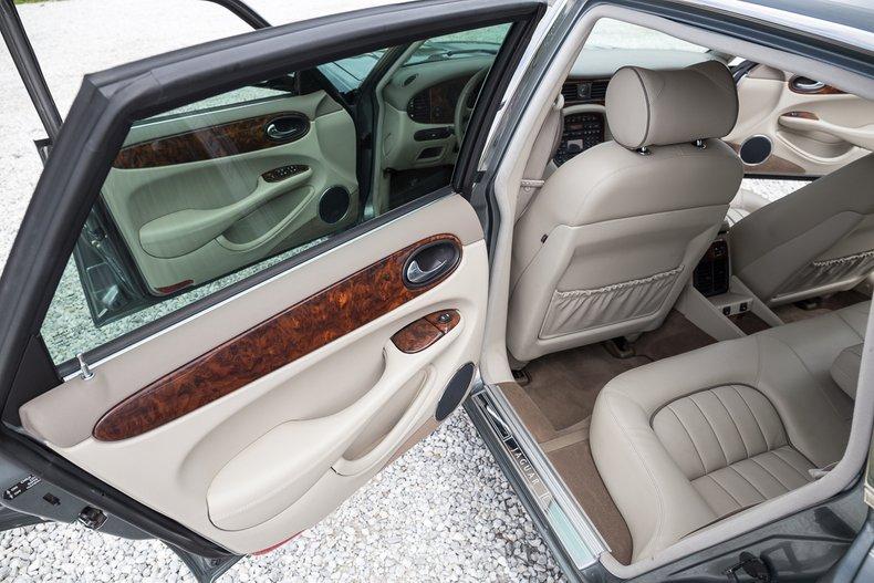 2003 Jaguar XJ8