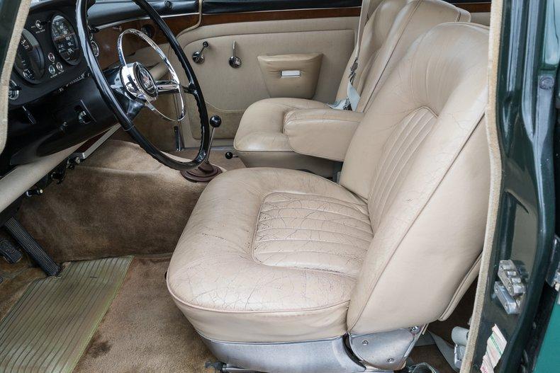 1967 Rover P5