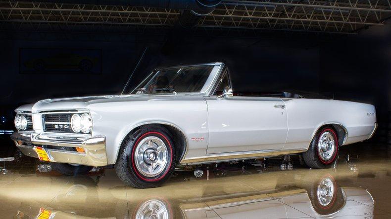1964 Pontiac GTO 10