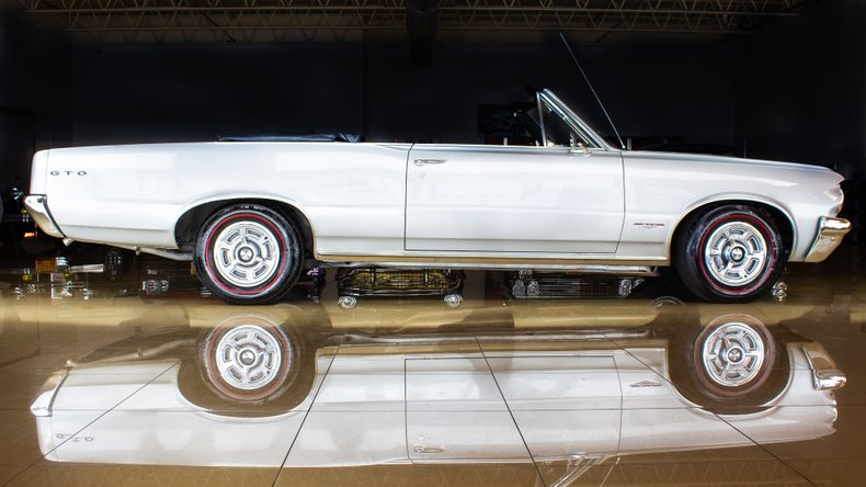 1964 Pontiac GTO 15