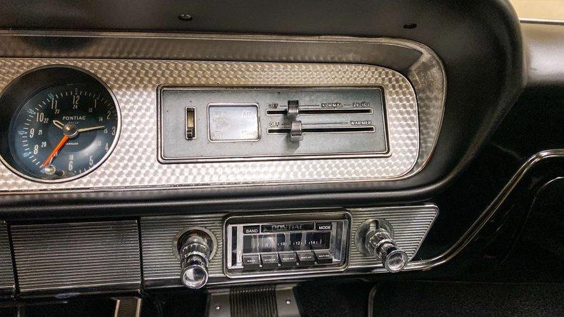 1964 Pontiac GTO 33