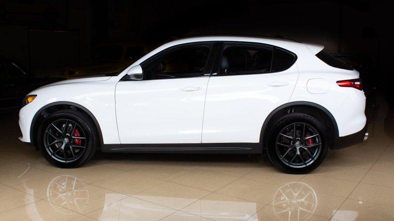 2018 Alfa Romeo Stelvio 3