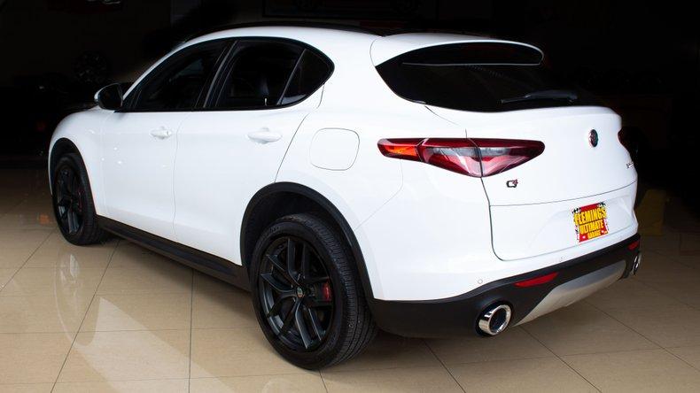 2018 Alfa Romeo Stelvio 4