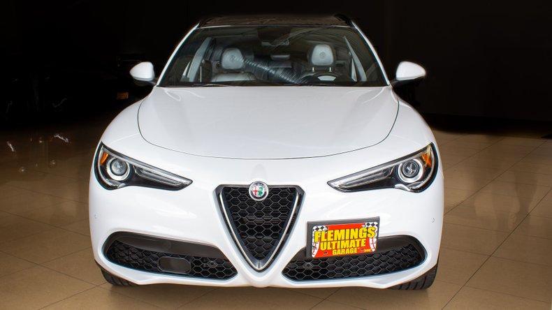 2018 Alfa Romeo Stelvio 9