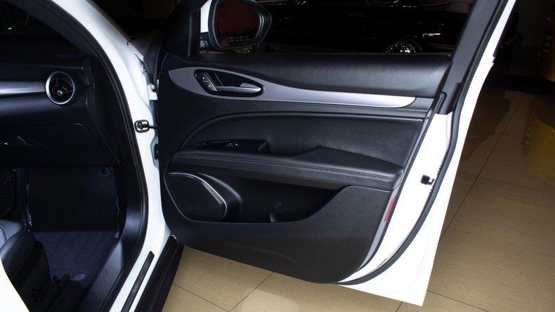 2018 Alfa Romeo Stelvio 19