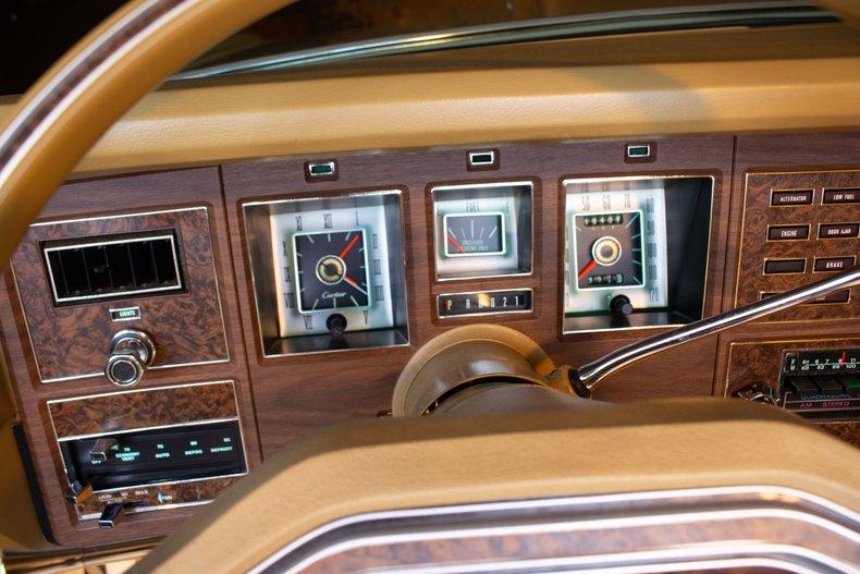 1976 Lincoln Continental 19