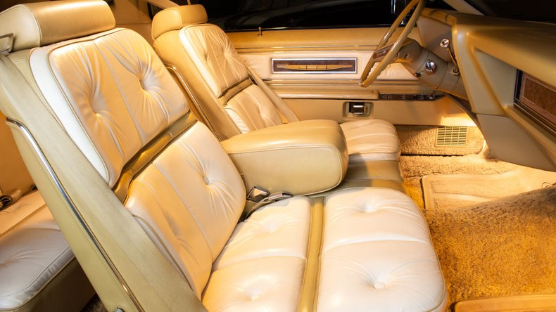 1976 Lincoln Continental 18