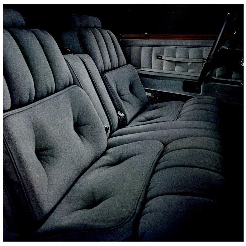 1976 Lincoln Continental 34