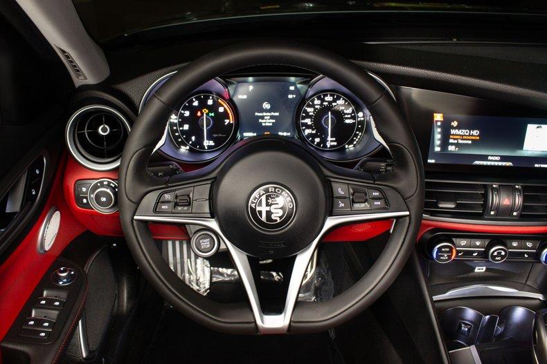 2018 Alfa Romeo Giulia 11