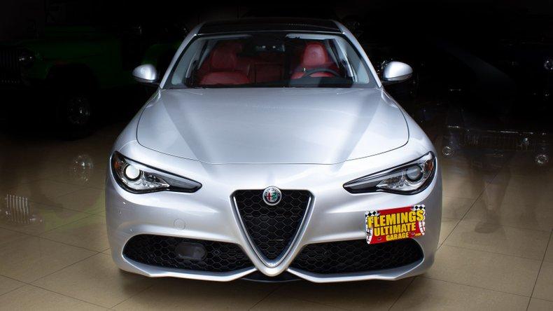 2018 Alfa Romeo Giulia 8