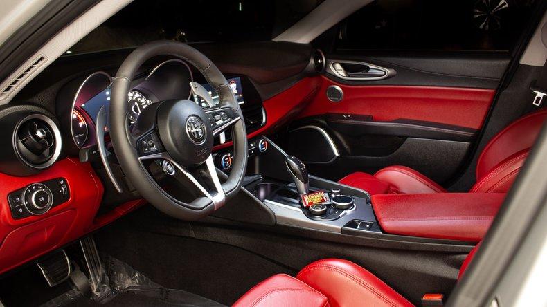 2018 Alfa Romeo Giulia 10
