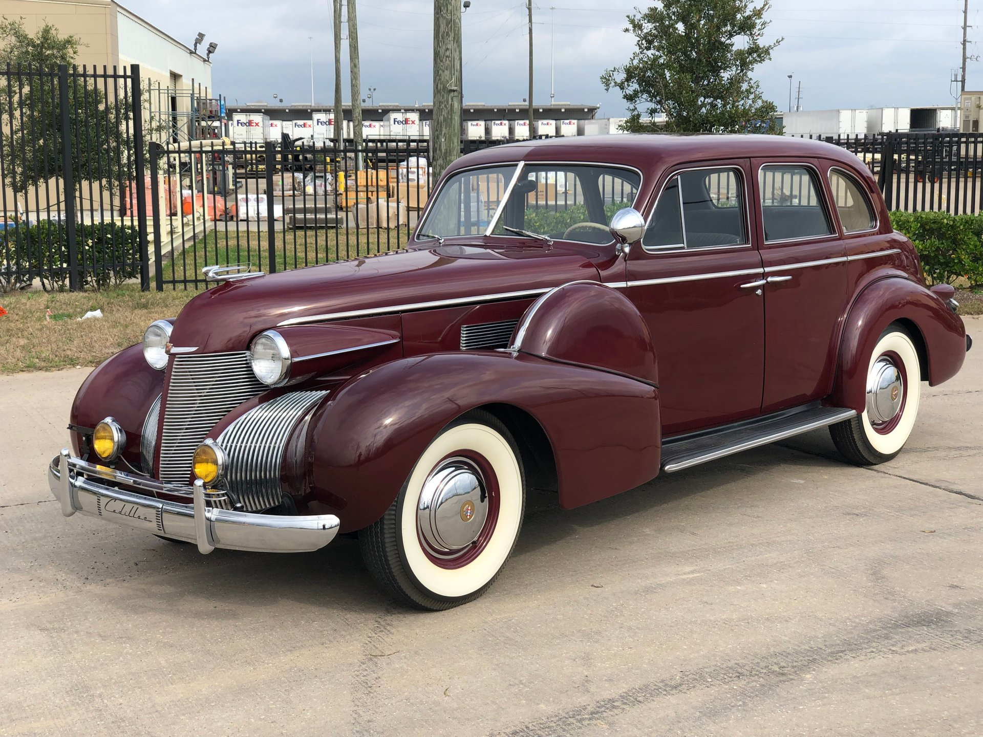 1939 cadillac series 61 touring sedan