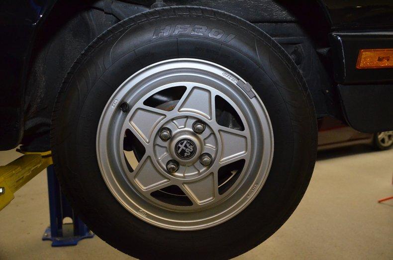 1987 Alfa Romeo Veloce spyder 38
