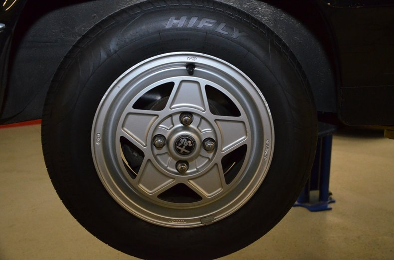 1987 Alfa Romeo Veloce spyder 37