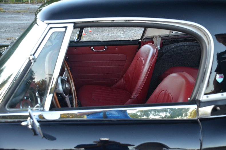 1963 Austin Healey 3000 11