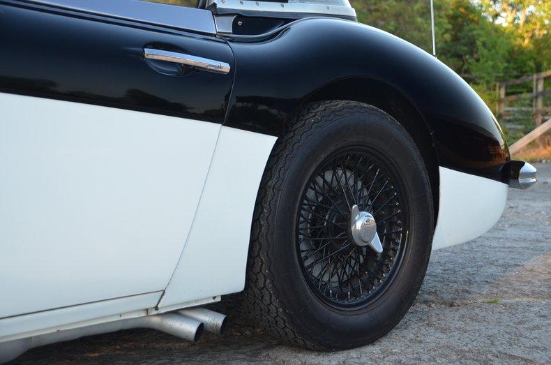 1963 Austin Healey 3000 40