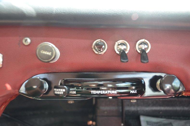 1963 Austin Healey 3000 25